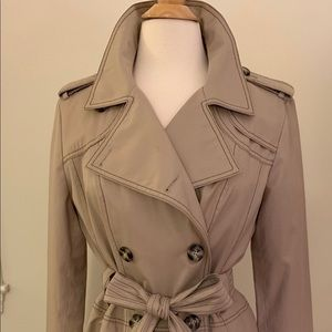 🍁LAUNDRY BY SHELLI SEGAL Tan Trench w/ Belt, L